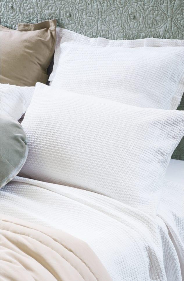 BL Valentina white pillowsham 633x964
