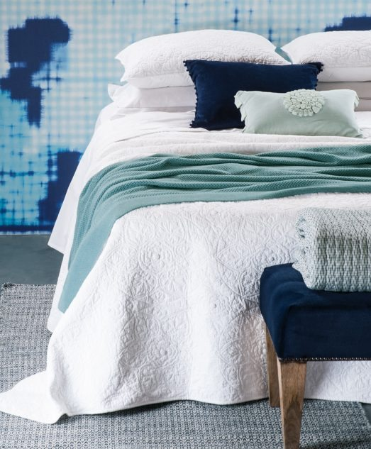 Bianca Lorenne Amarento White Bedspread with Danza Aqua Knitted Throw