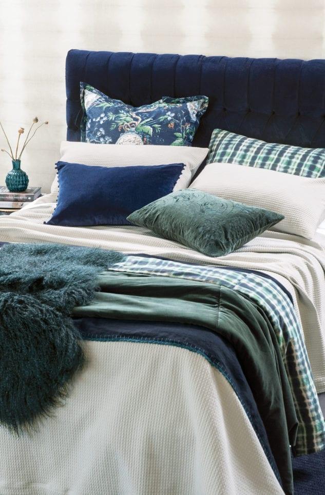 Bianca Lorenne Valentina Stone Bedspread 633x965