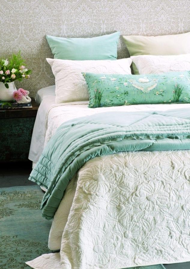 Magnolia bedspread with Petipa duck egg comforter HR 633x895
