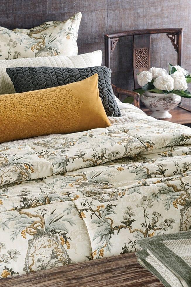 bianca lorenne hanami comforter mckenzie willis. Black Bedroom Furniture Sets. Home Design Ideas