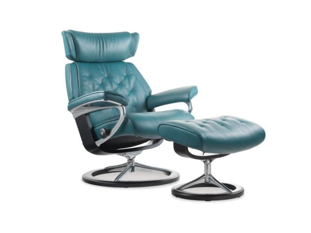 Stressless Skyline Recliner with Signature Base 633x475