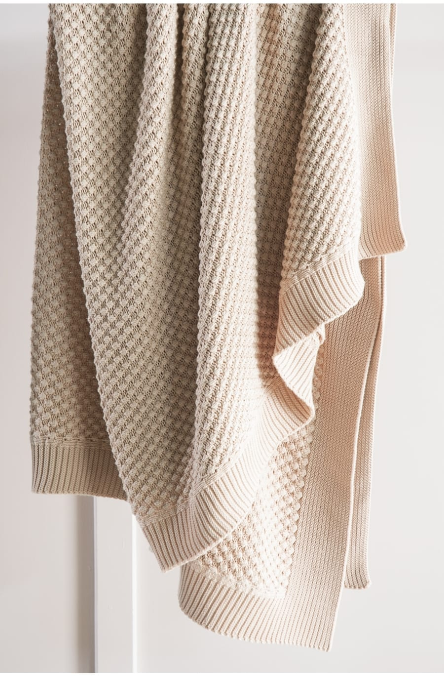 Bianca Lorenne filato knitted throw vintage rose available at McKenzie & Willis