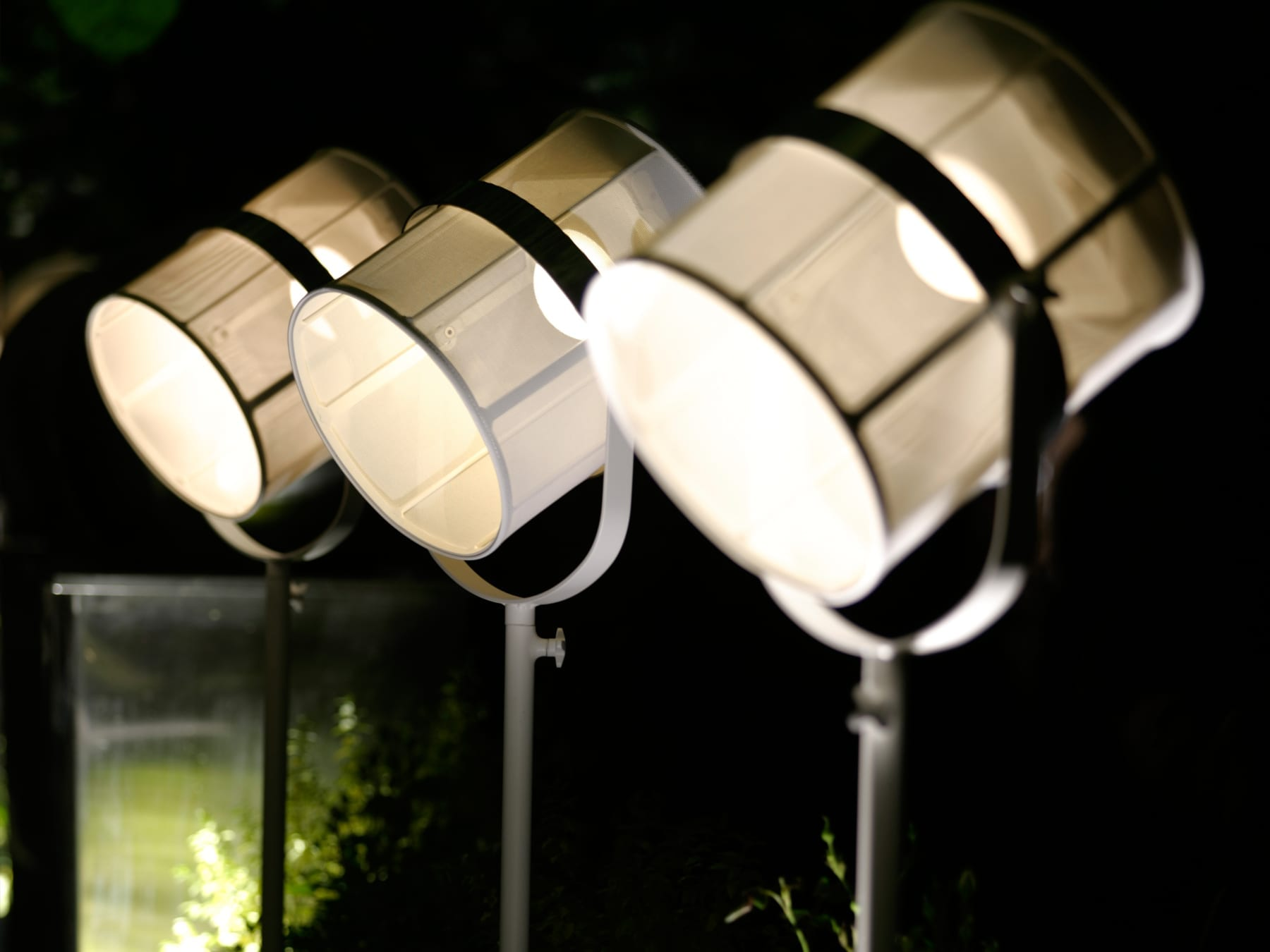 Maiori Paris Solar Lamp Lifestyle 2