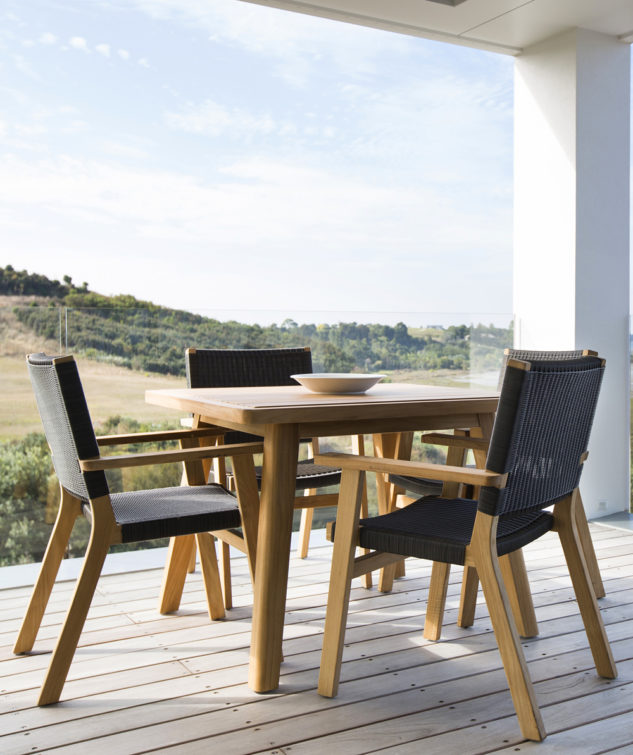 Porter 1000 with Jackson Chairs Lifestyle 633x755