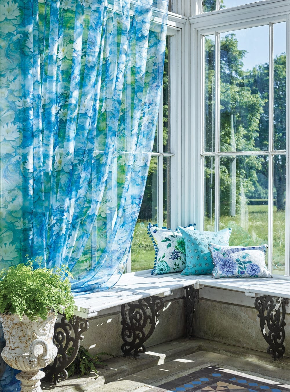OL Matthew Williamson Belvoir Waterlily Sheer Duchess Garden Sirius Fabric 1