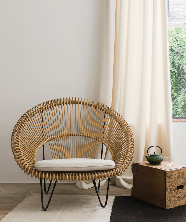 Vincent Sheppard Roy Cocoon Chair Camel lifestyle 1 633x755