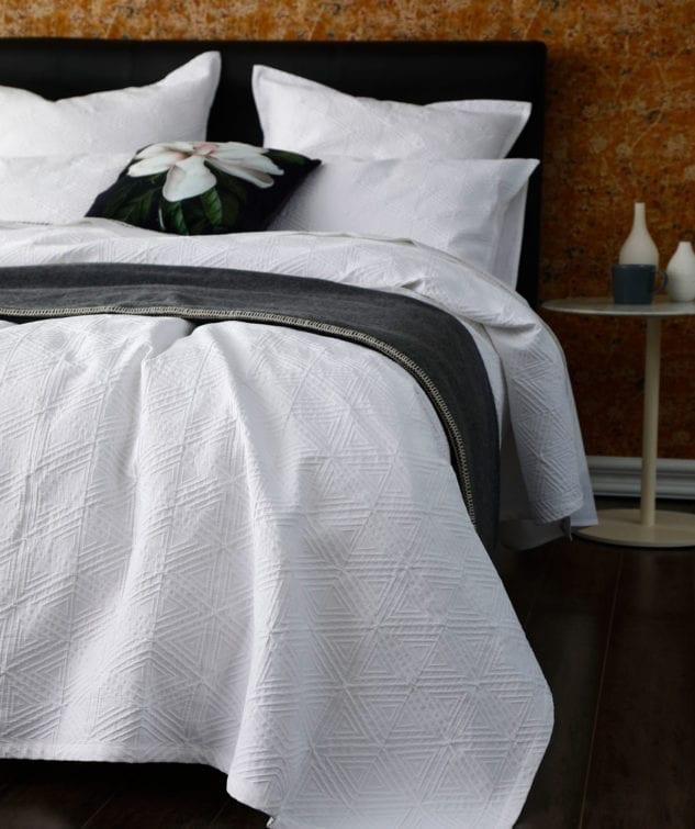 MM Linen Taika Bedcover Set 2 633x755