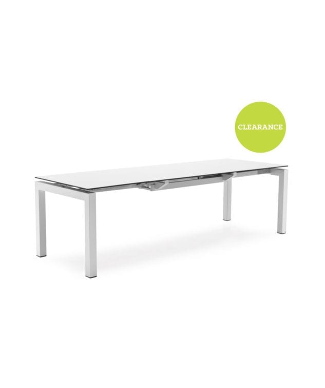 Calligaris airport dining table with white glass top for Calligaris airport