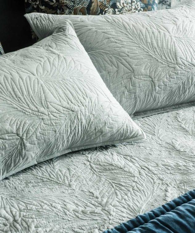 Bianca Lorenne Fougere Pillowsham 2 633x755