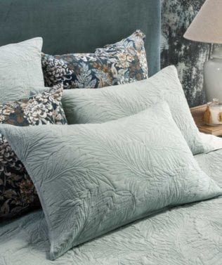 Bianca Lorenne Fougere Pillowsham