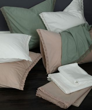 MM Linen Lacey Sheet Set