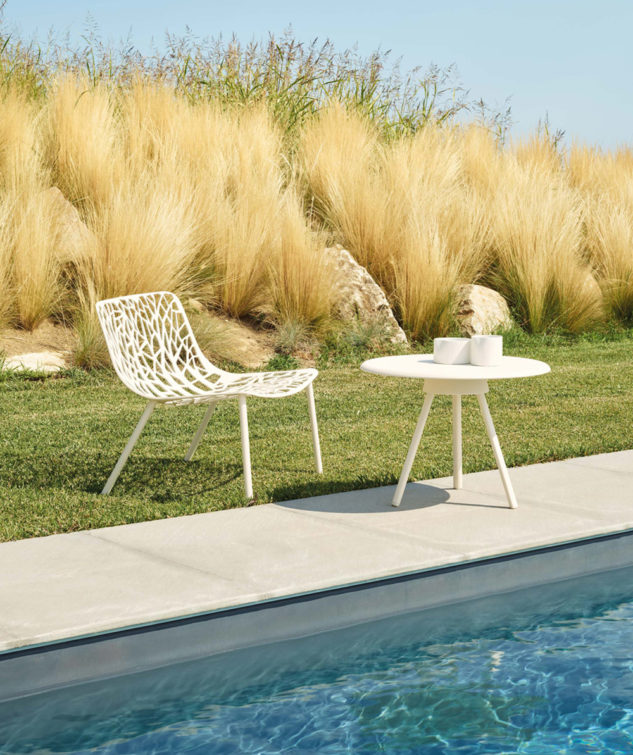 Fast Forest Lounge Chair 1 White 633x755