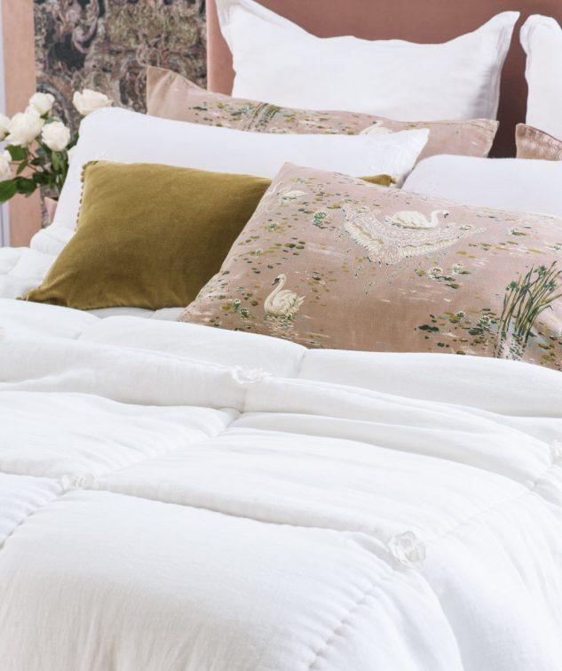 Bianca Lorenne Floralie Comforter