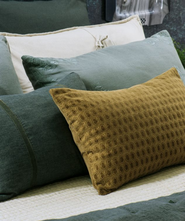Bianca Lorenne Lilypad Cushion