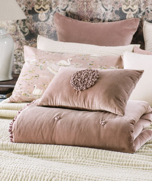 Bianca Lorenne Mirabel Dusky Pink Comforter 633x755