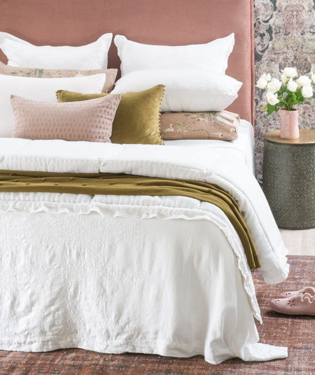 Bianca Lorenne Rabat Bedspread with floralie 633x755