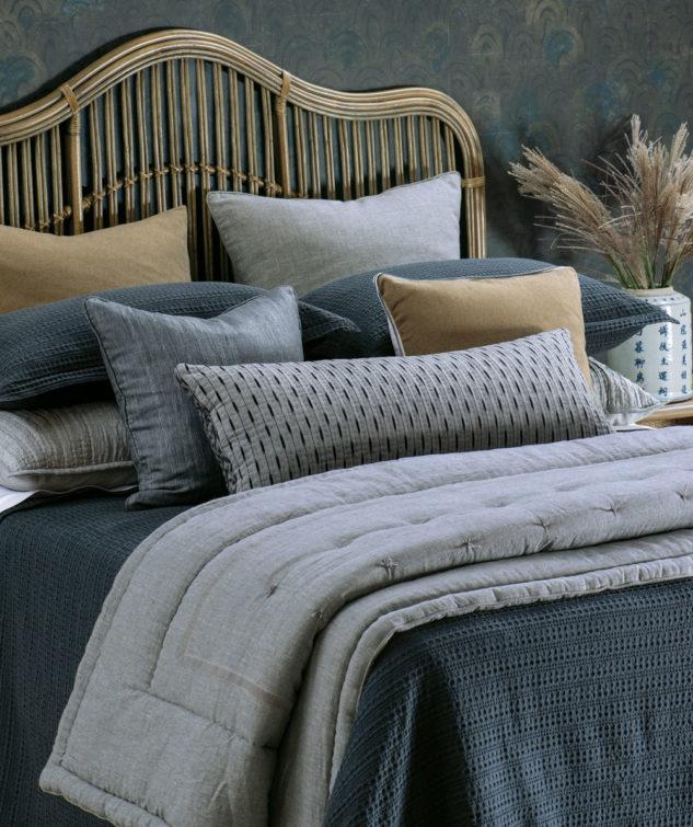 Bianca Lorenne mizumi bedspreadwith luchesi comforter silver