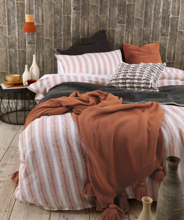 MM Linen Finch Duvet Set Umber 3 633x755