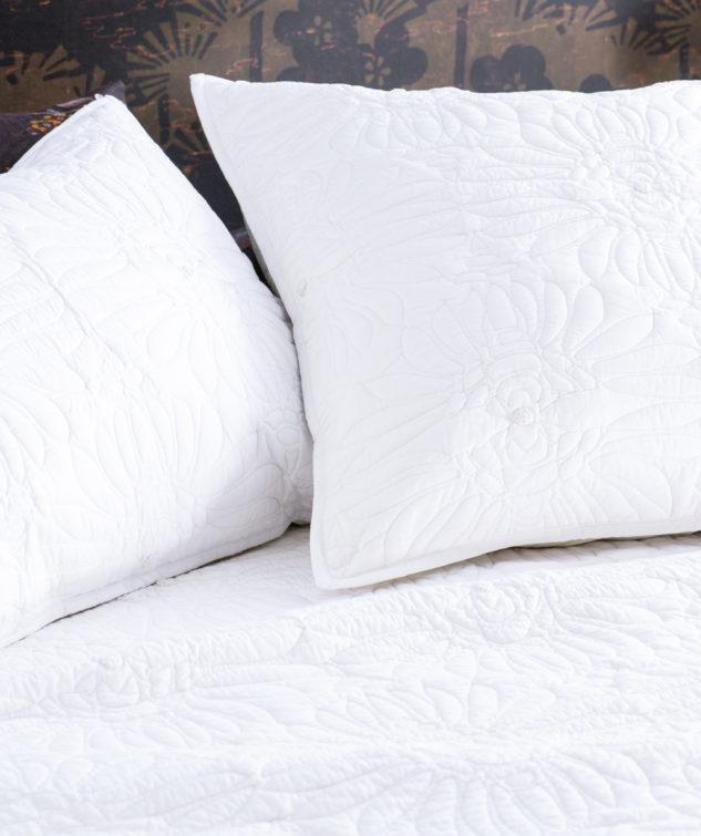 feza bedspread close up HR 633x755