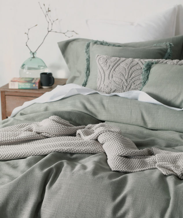 MM Linen Crozet Bedspread Set Close Up 633x755