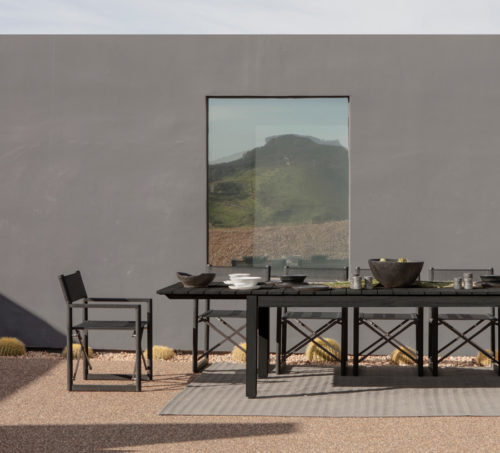 Outdoor Dining for the whole family 500x453