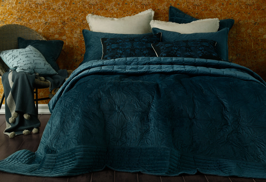 Ing Guide Duvet Covers Bedspreads, Should I Put A King Duvet On Queen Bed