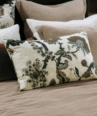 Bianca Lorenne capriccio natural pillowcase