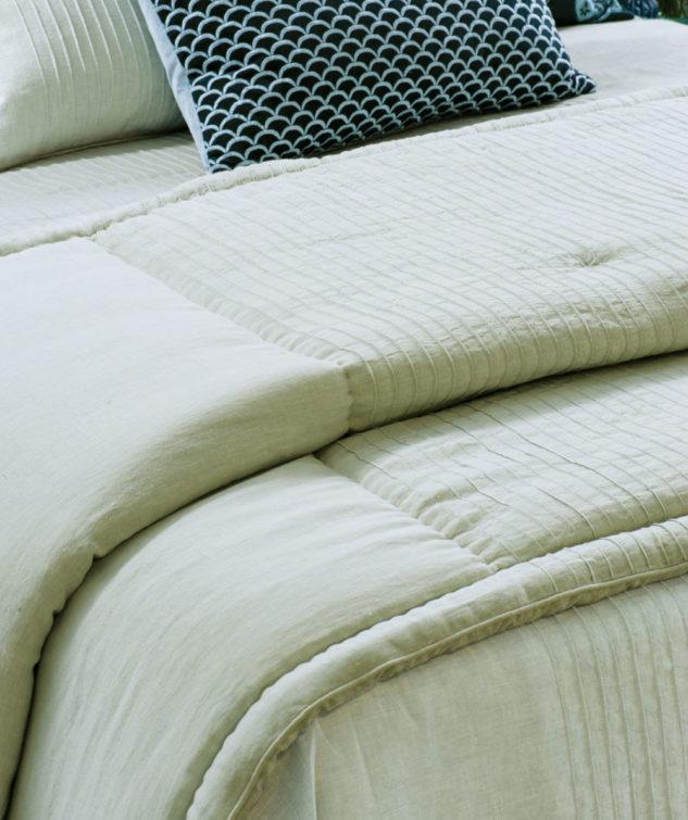 Bianca Lorenne kaiyu seafoam comforter 633x755