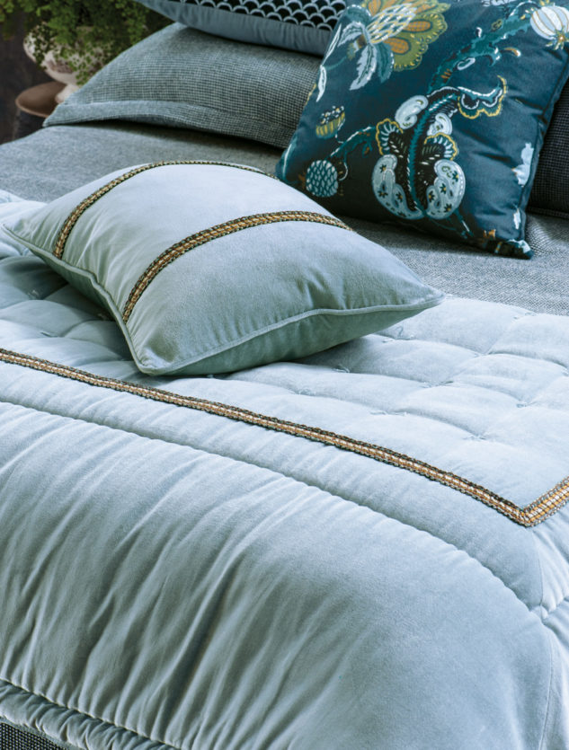 Bianca Lorenne luchesi smoke blue comforter and cushion 2 633x835