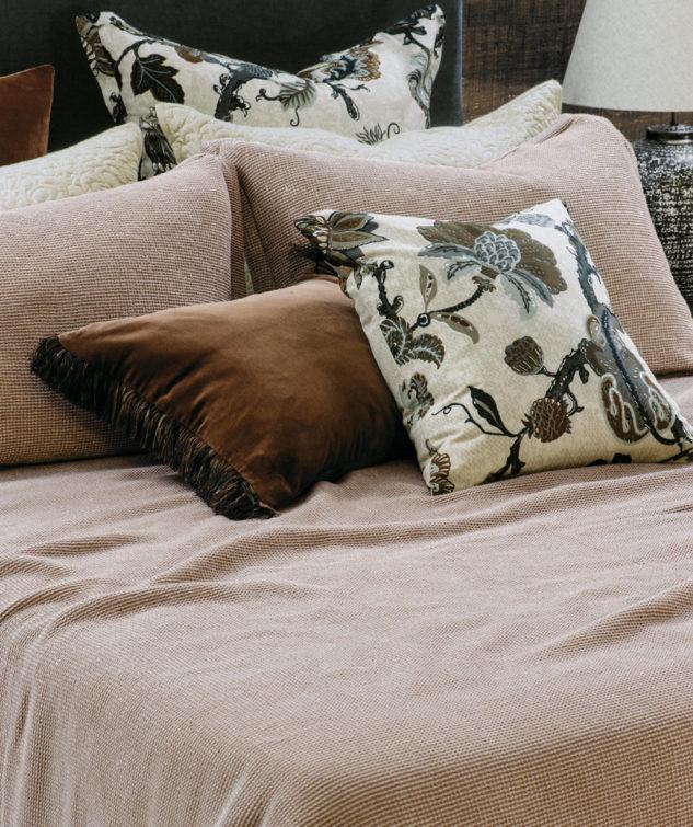 Bianca Lorenne sottobosco copper bedspread 633x755