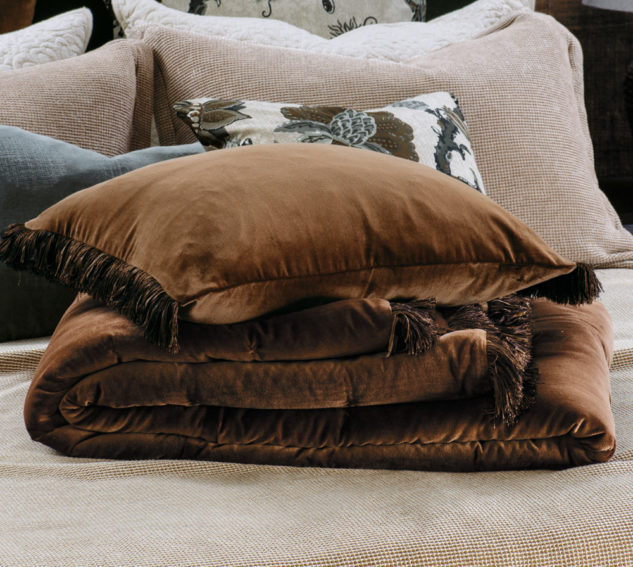 Bianca Lorenne tramonto copper comforter and cushion 633x567