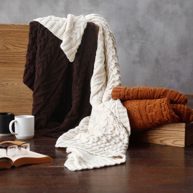 MM Linen Cable Throw 2 633x633