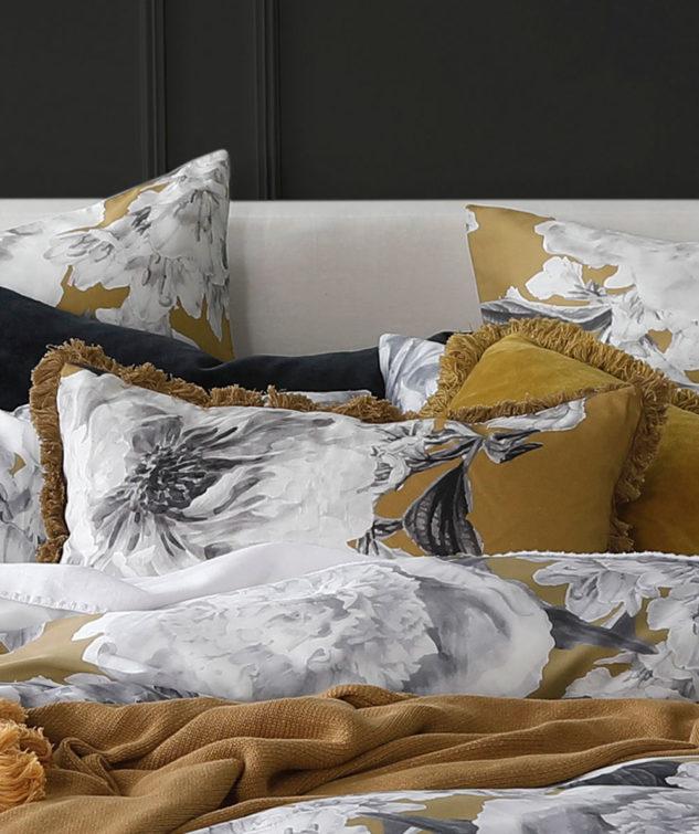 MM Linen Reine Cushion