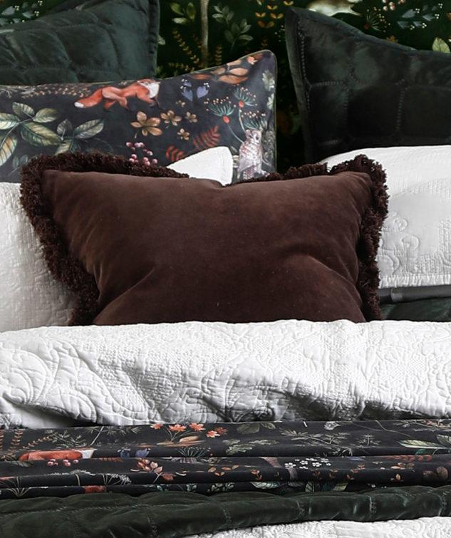 MM Linen Sabel Square Cushion lifestyle2 633x755