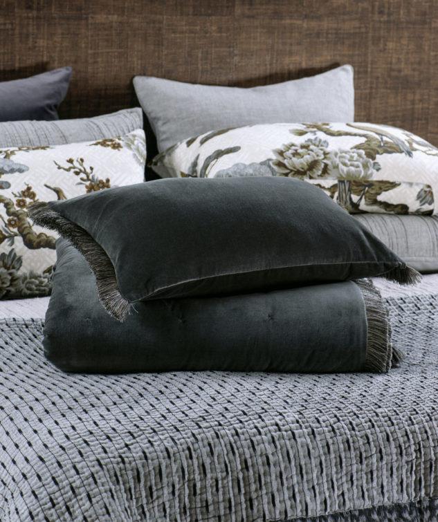 bianca lorenne tramonto charcoal comforter folded 633x755