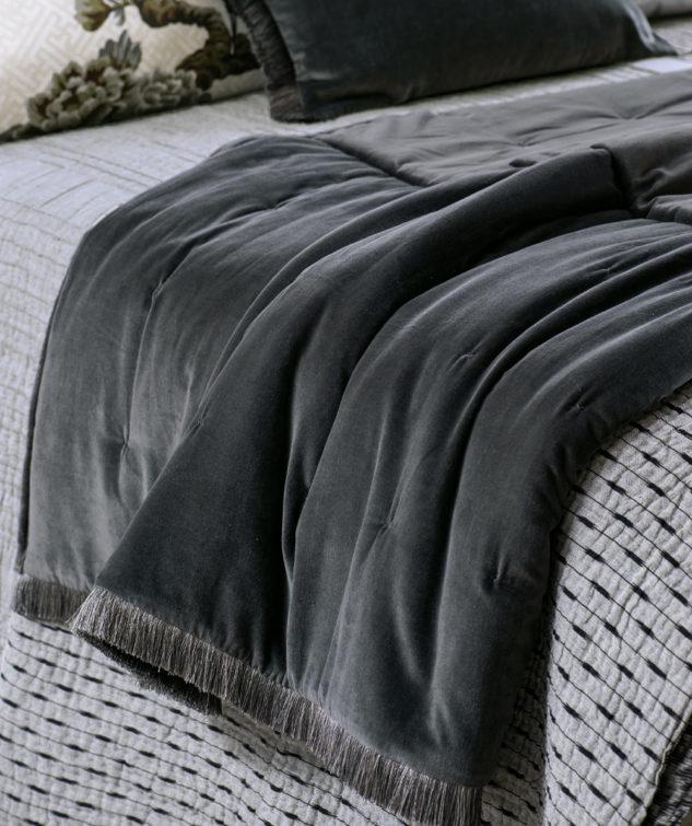 bianca lorenne tramonto charcoal comforter lifestyle 633x755